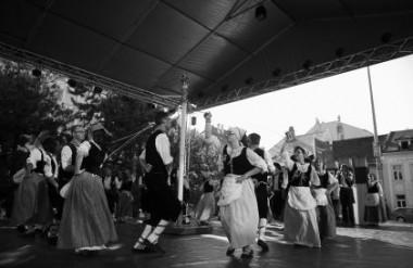 A Cordella Táncegyüttes a győri fesztiválon – Dusa Gábor felvétele