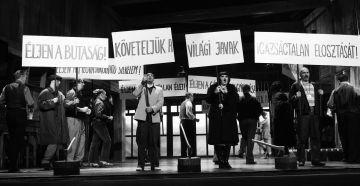 Az előadás zárójelenete / Schiller Kata felvétele