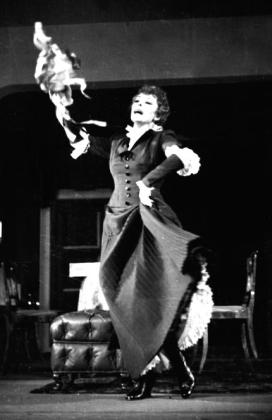 Bajor Gizi mint Nóra (Nemzeti Színház, 1941). Bojár Sándor felvétele