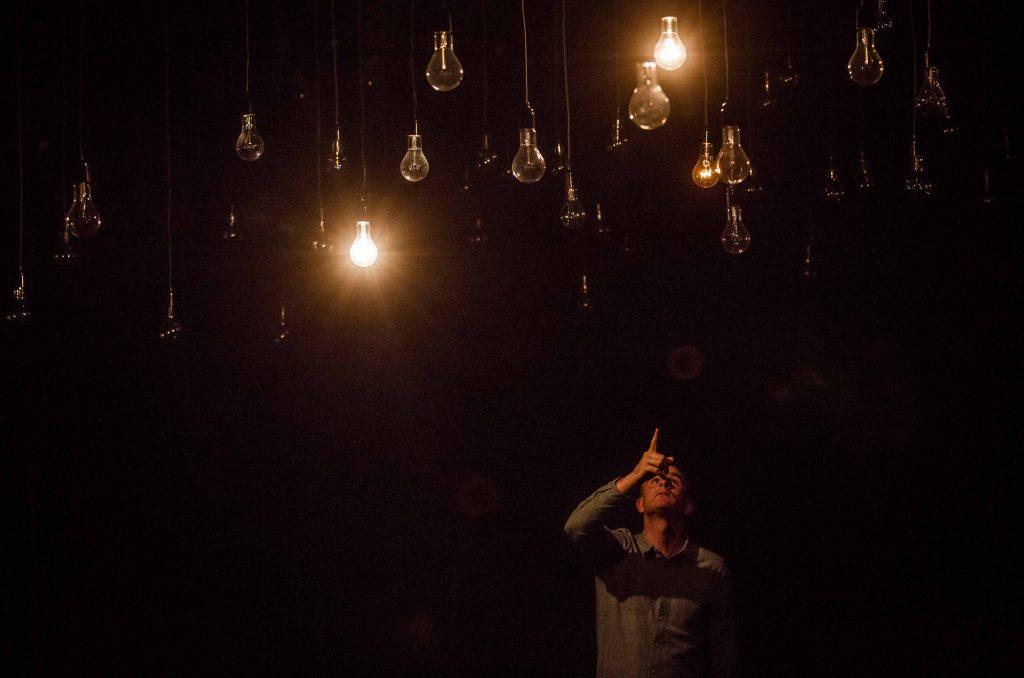 Tonight_Lights_out_3small_Kasia_Chmura-Cegiełkowska_for_Festival_Ciało-Umysł